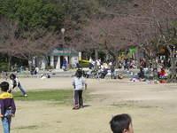 大谷広場の賑わい.jpg