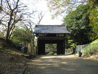 名島門から西側芝生広場.jpg