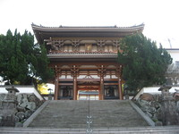 本佛寺山門.jpg