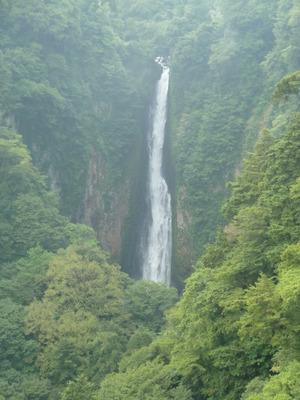 震動の滝1.JPG